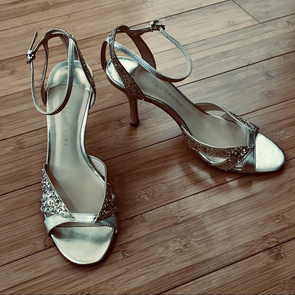 70a810243e3 Ivanka Trump Anita Gold Multi Leather Heels in 10